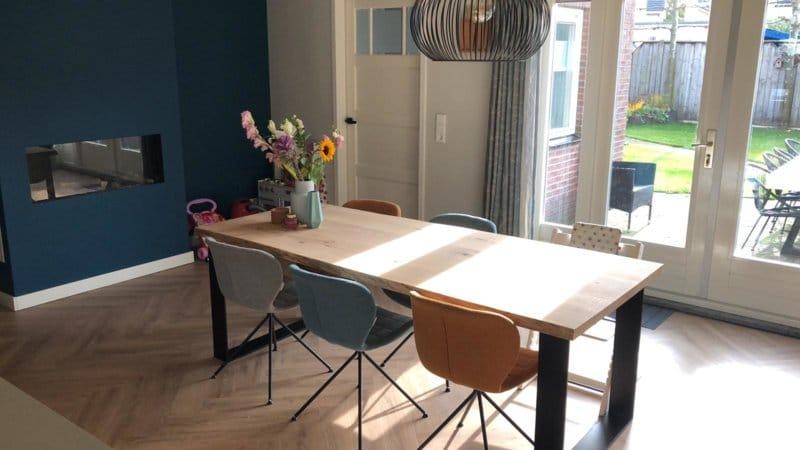 Boomstam tafel Katy vierkant 6cm dik met U onderstel