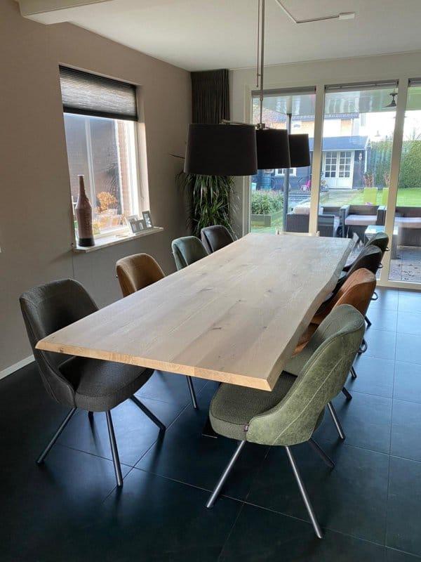 Boomstam tafel Katy 4,5cm dik met matrix onderstel