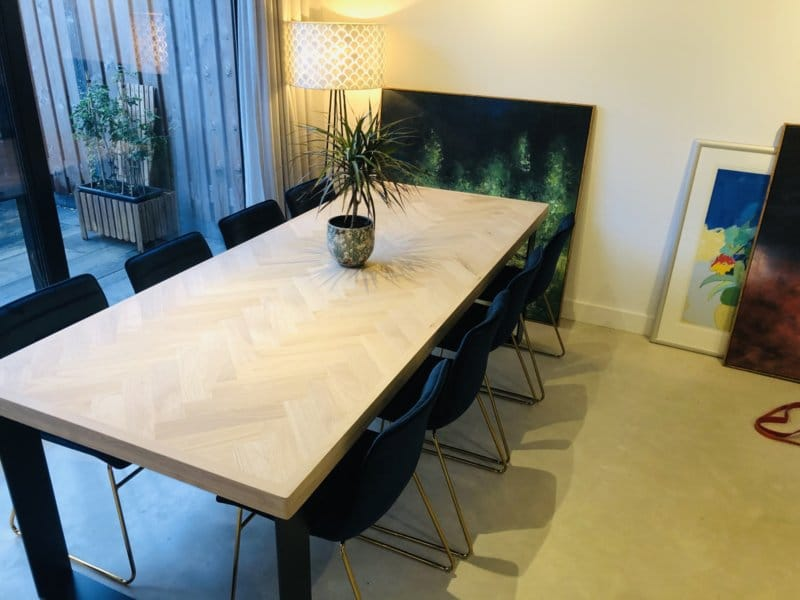 Herringbone oak table incl U-frame 12x1cm