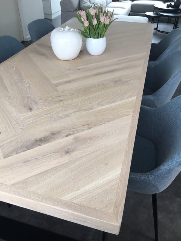 Herringbone oak Osla table incl U-frame 12x1cm