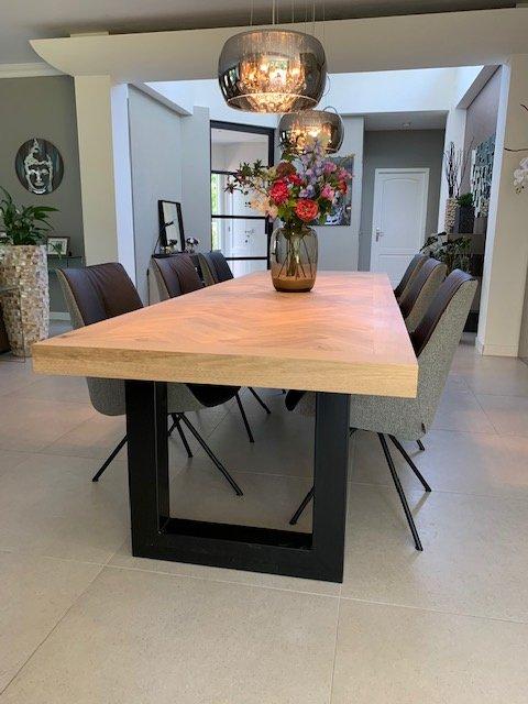 Visgraat eiken tafel incl U-onderstel 5x5, 8x4, 10x10 of 12x12cm