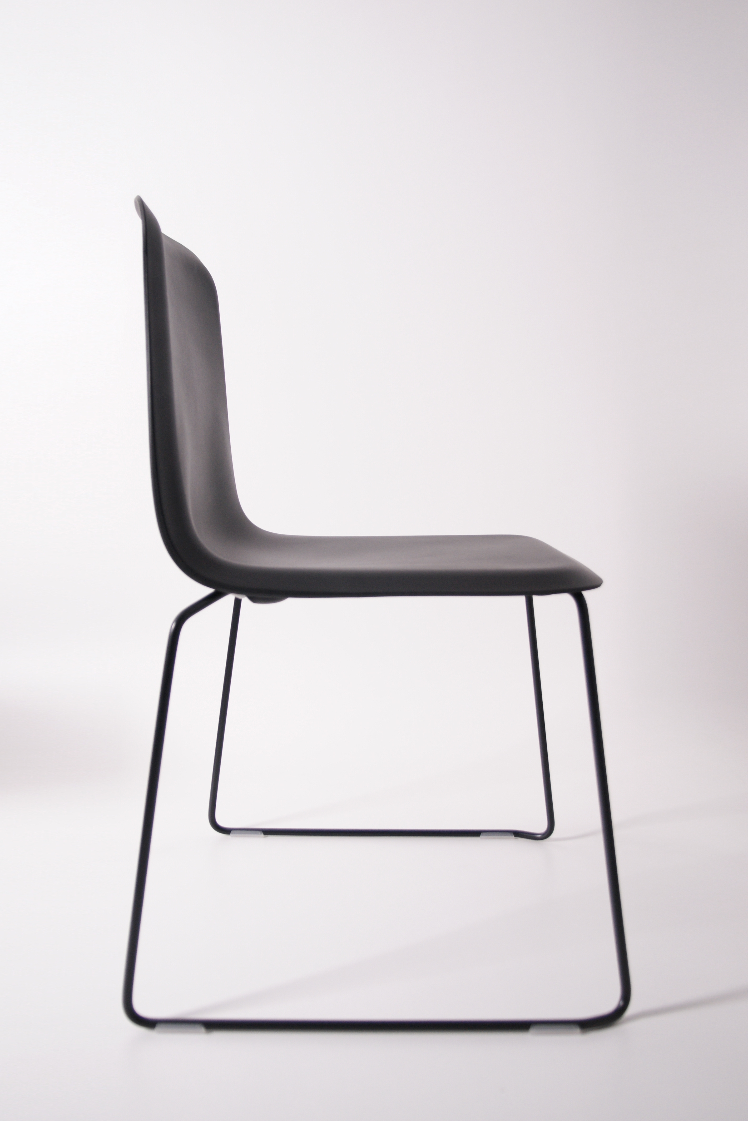 That Chair Zwart Zijkant