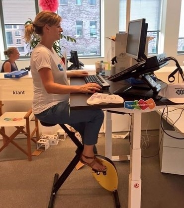 Deskbike geel praktijk