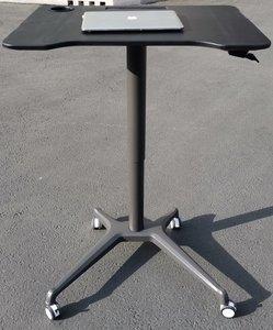 Single Leg Desk kleur