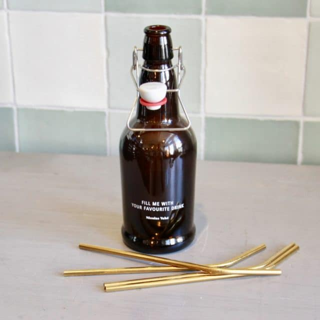 Takeaway bottle brown with stainless steel straw gold