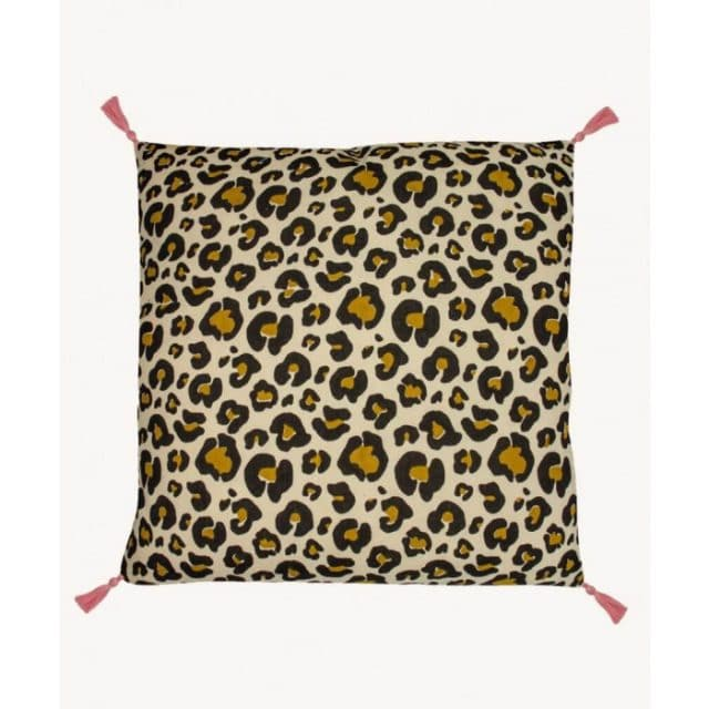 Leopard Pillow Large Front Doing Goods 1 40 10 008 070 3 Off White Web 853x10247 1