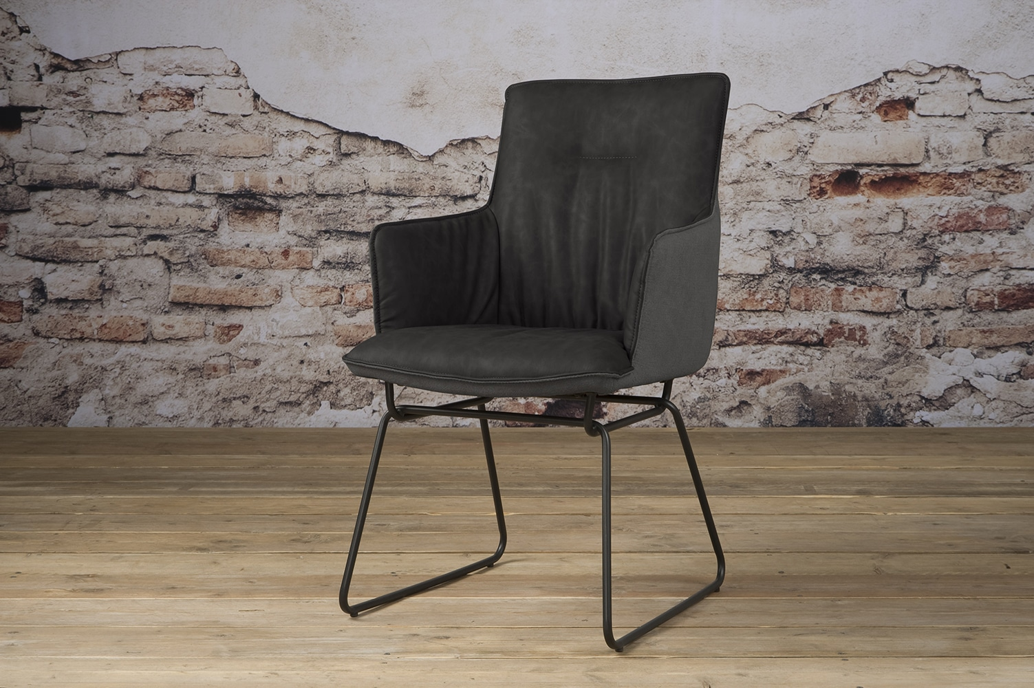 Yb 0017 Vitoria Armchair Pu Anthracite Fabric Anthracite V