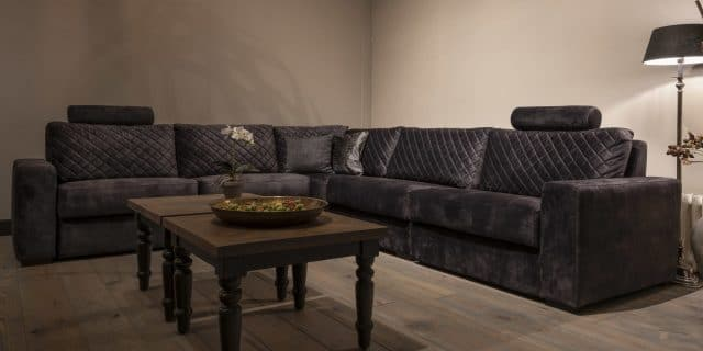 Urbansofa Auxerre Brooklyn Hoekbank Arm L Vienna Antracite Rochdale Salontafel Liggend 1280x640 1