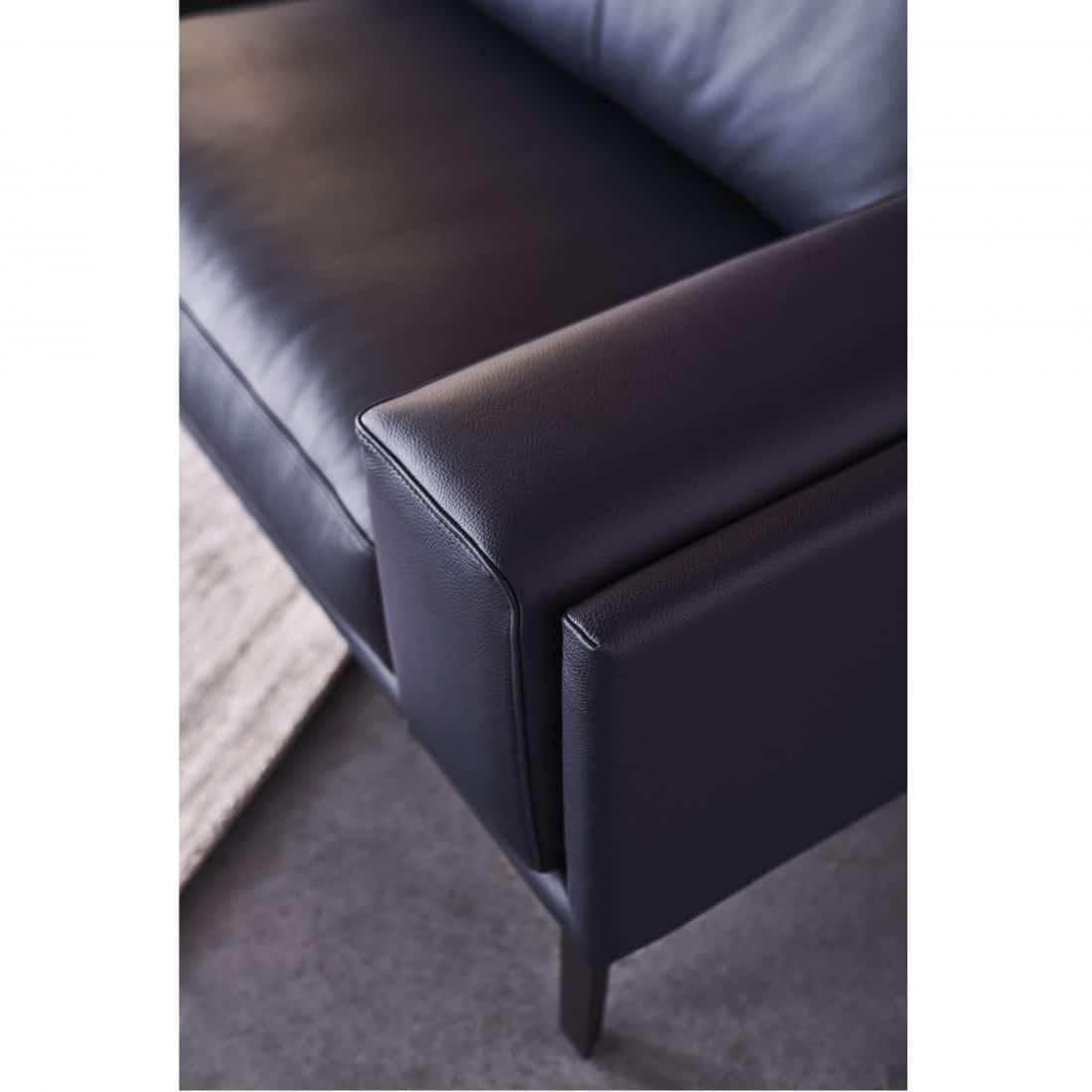 Leolux Bellice Leather Black 0016 2 Scaled