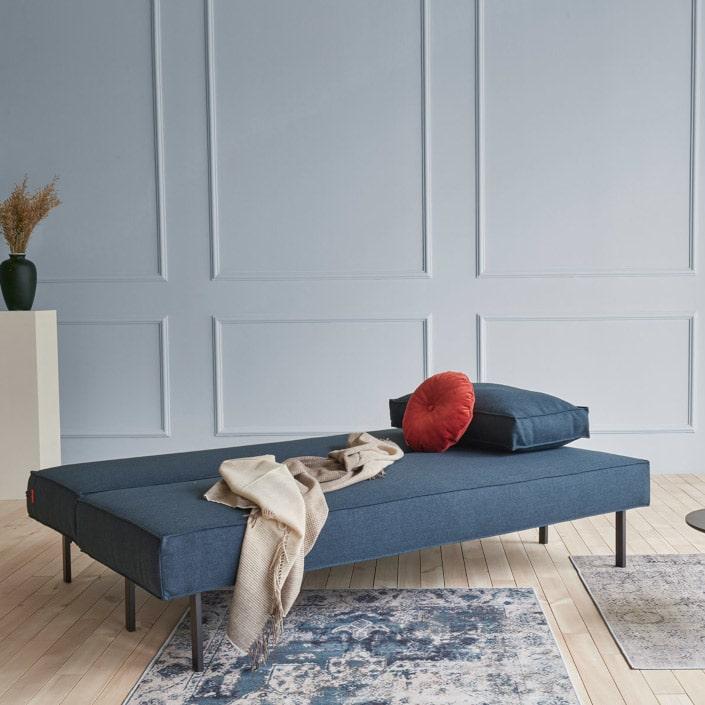 Uitgeklapt heeft de slaapbank Sly een bedmaat van 140x200 cm. met pocketvering matras