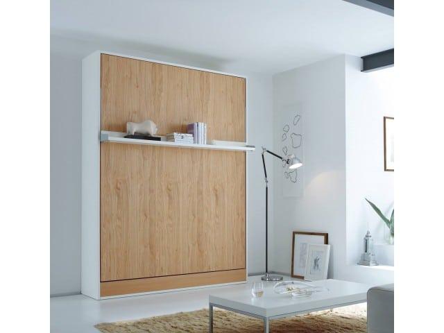 Bedkast Space met een bed van 140 cm. breed en een eiken front