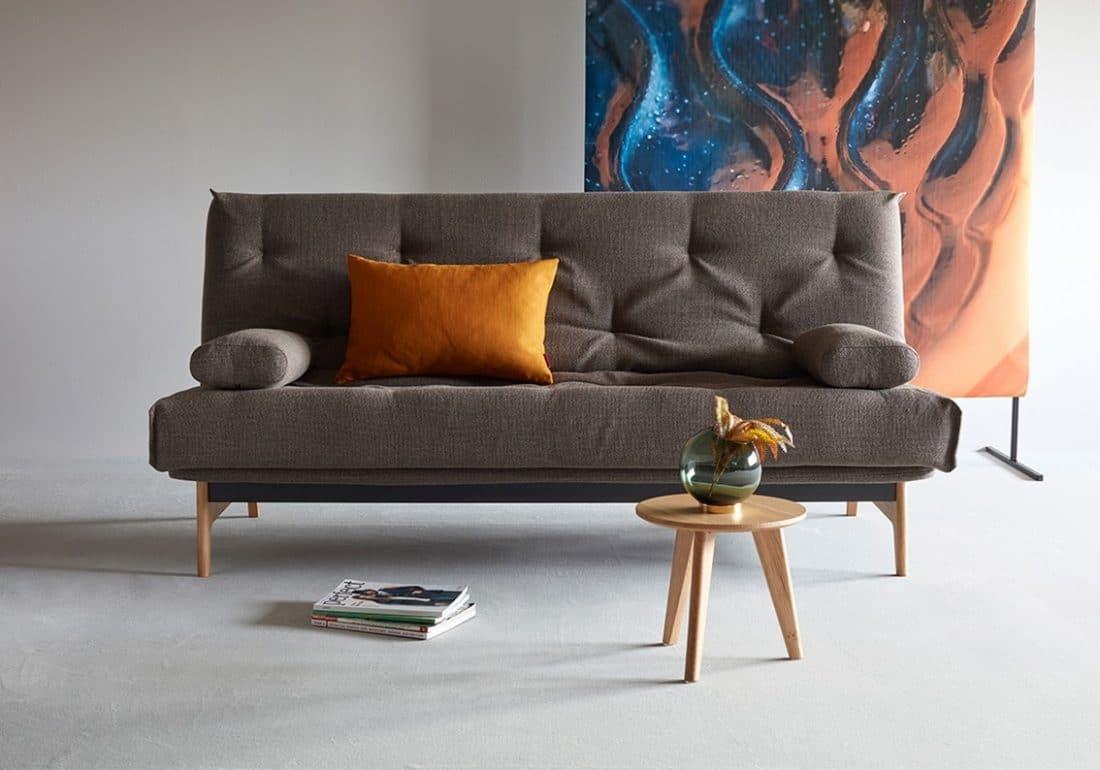 De slaapbank Aslak stijlvol in de woonkamer
