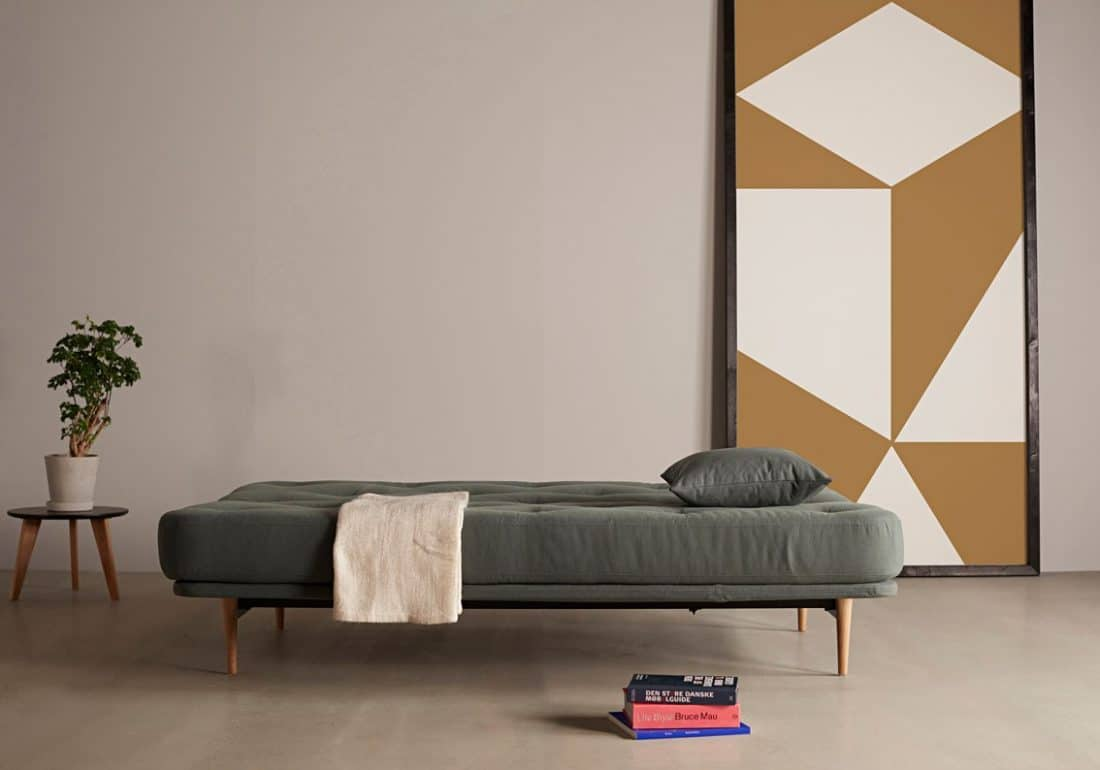 The sofa bed or sofa bed Colpus folded out as a bed with a size of 140x200 cm.