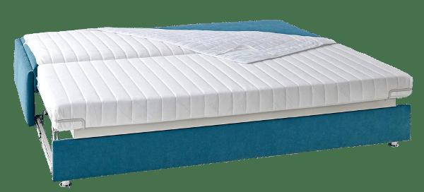 Slaapbank Maxxi - Zoom uitgeklapt als bed met extra beschermlaken.