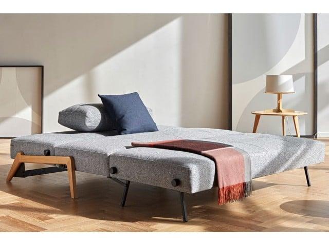 Slaapbank Cubed de Luxe met eiken poten in de bed positie