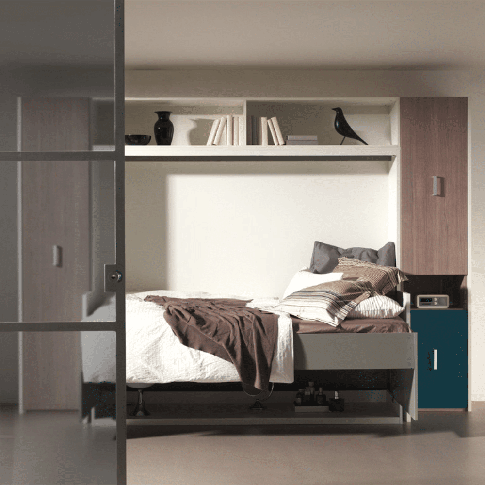 The Flat Officio wall bed with a bed of 140x200 cm. ready to use as a bed.