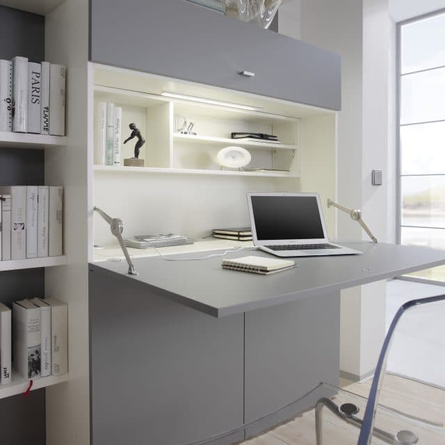Inklapbaar bureau Space met uitgeklapt bureau zorgt voor een mooi opgeruimde werkplek. Ideaal voor thuiswerken in een kleine ruimte