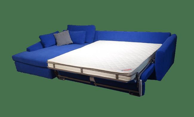 De uitgeklapte versie van de hoekslaapbank Mithos heeft een prima bed