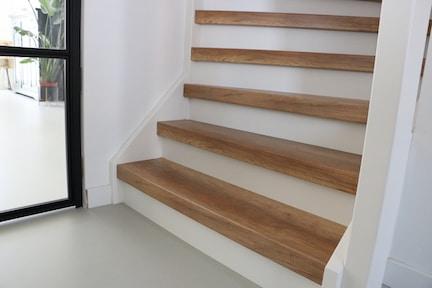 nieuwbouwhuis,trap met led verlichting,trapverlichting,trap verlichting,houten trap,stairz traprenovatie