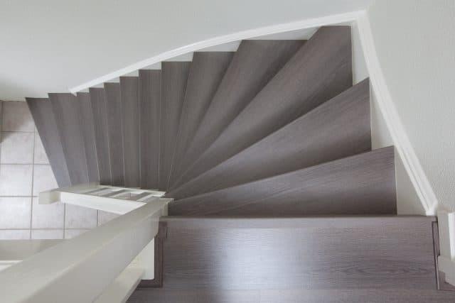 dichte trap van boven af