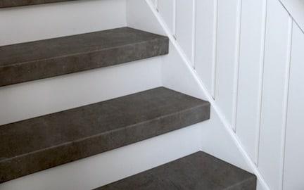 trapgat schilderen,graniet trap,granieten trap,natuursteen trap,stairz traprenovatie,graniet houten overzettreden