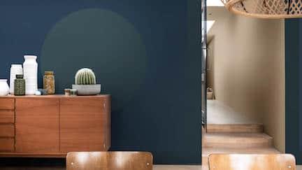 trapgat schilderen,flexa kleur van het jaar 2021
