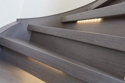 klussen in huis,trapverlichting,trap met verlichting,led verlichting trap,houten trap,stairz traprenovatie