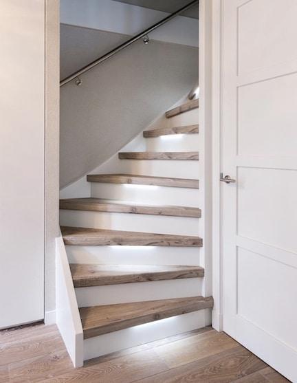 eiken houten trap,eiken houten traprenovatie,stairz traprenovatie,scandinavisch wonen,moderne trap,trap renoveren