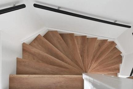 trap renoveren,nieuwe trap,eiken trap,eiken houten trap,eiken traprenovatie,moderne trap,stairz traprenovatie,wat kost een traprenovatie