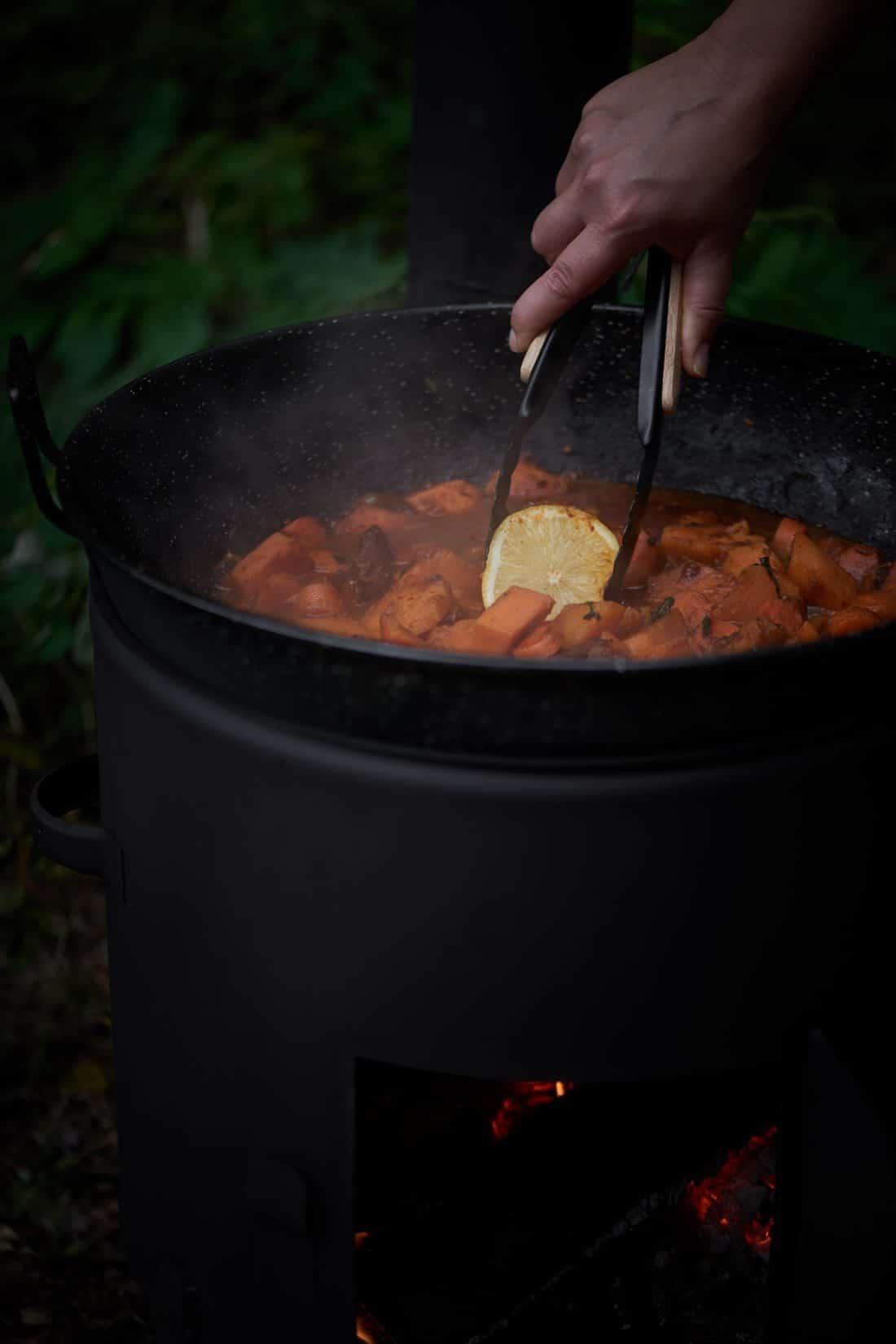 VUUR LAB. buiren kookkachel met wokpan