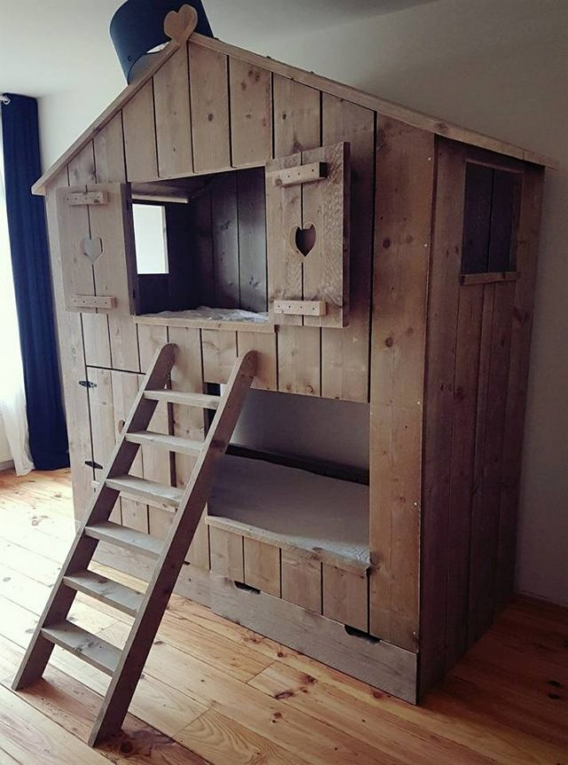 Boomhut Bed Chairil