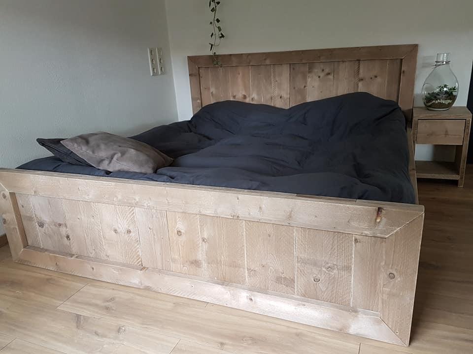 Bed Shana