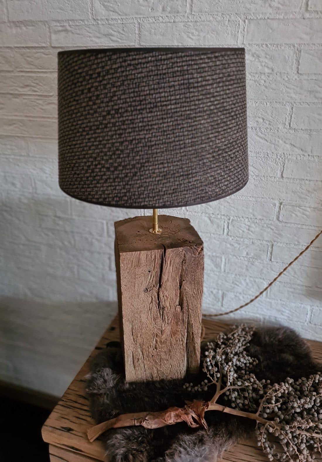 Oud Eiken Tafellamp
