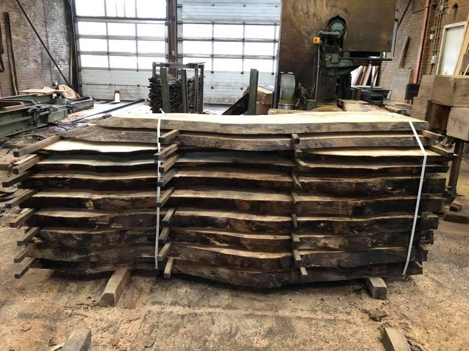 Stapel boomstam planken